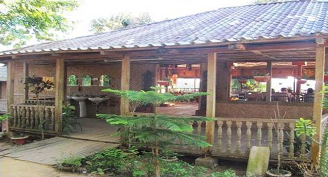 Tuk tuk eco village (1)